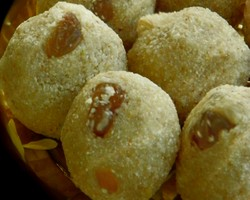 Sooji Ka Ladoo Recipes